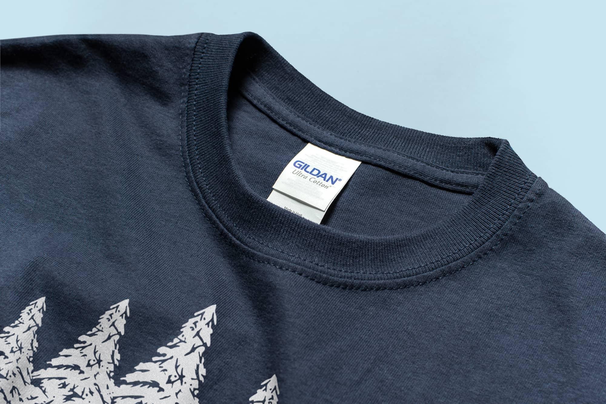 Detail of the collar of the Gildan Ultra Cotton Tee.